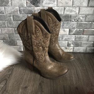 Very Volatile tan stud faux leather cowgirl boots